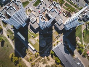 קבלן בניין רשום מידע מקיף על עיסוק בענף הבנייה בתור קבלן